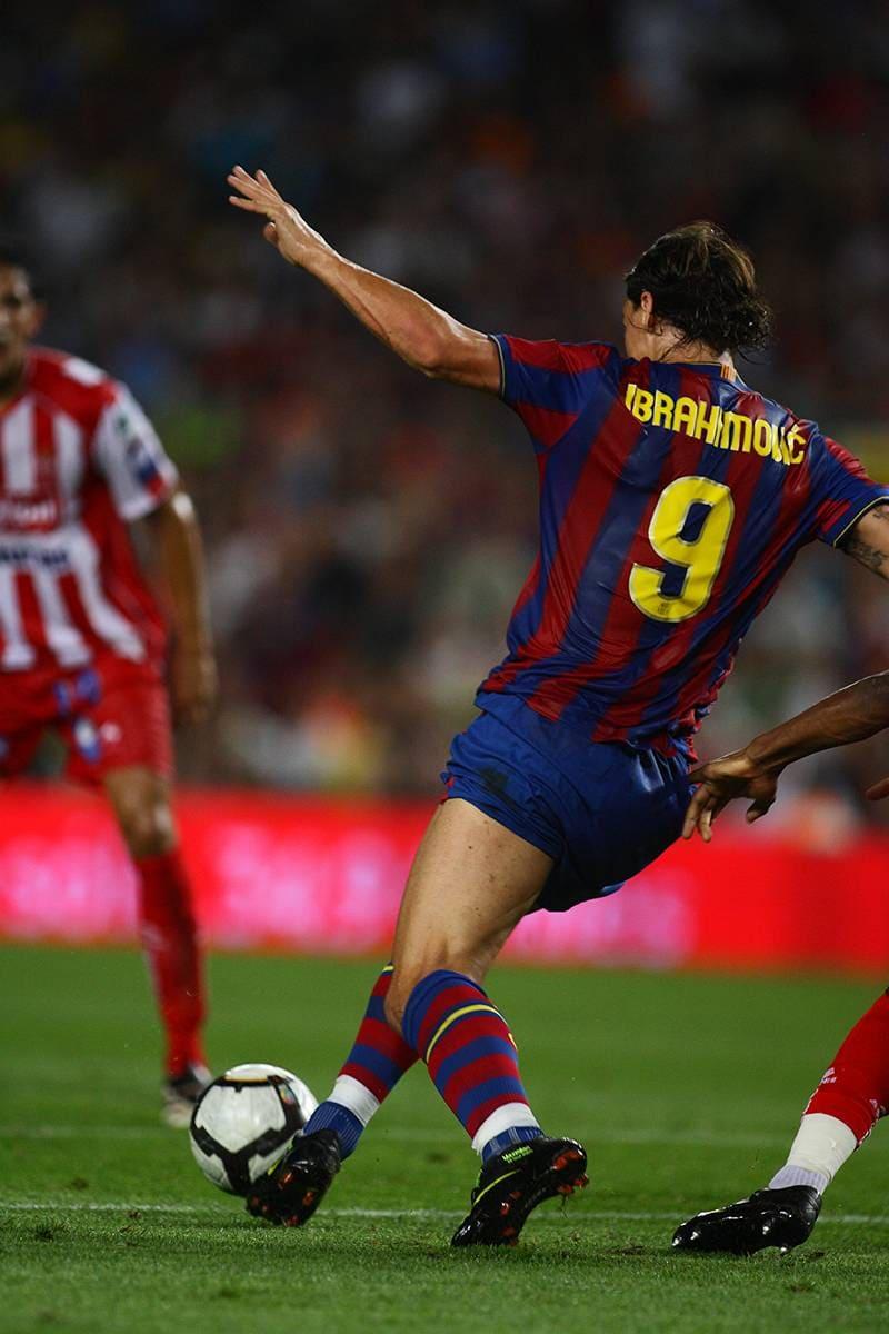 Zlatan Ibrahimovitch footballeur maillot Paris Saint Germain