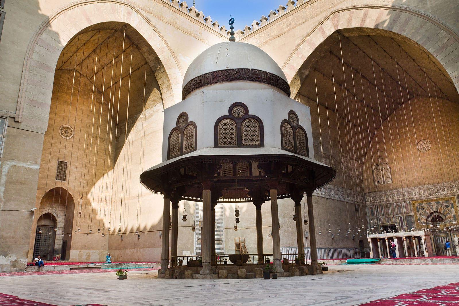 Mosquée-madrassa sultan Hassan sanctuaire prière Caire Egypte