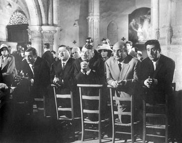hommes église noir et blanc