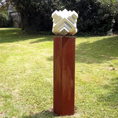 QR CODE MONUMENT