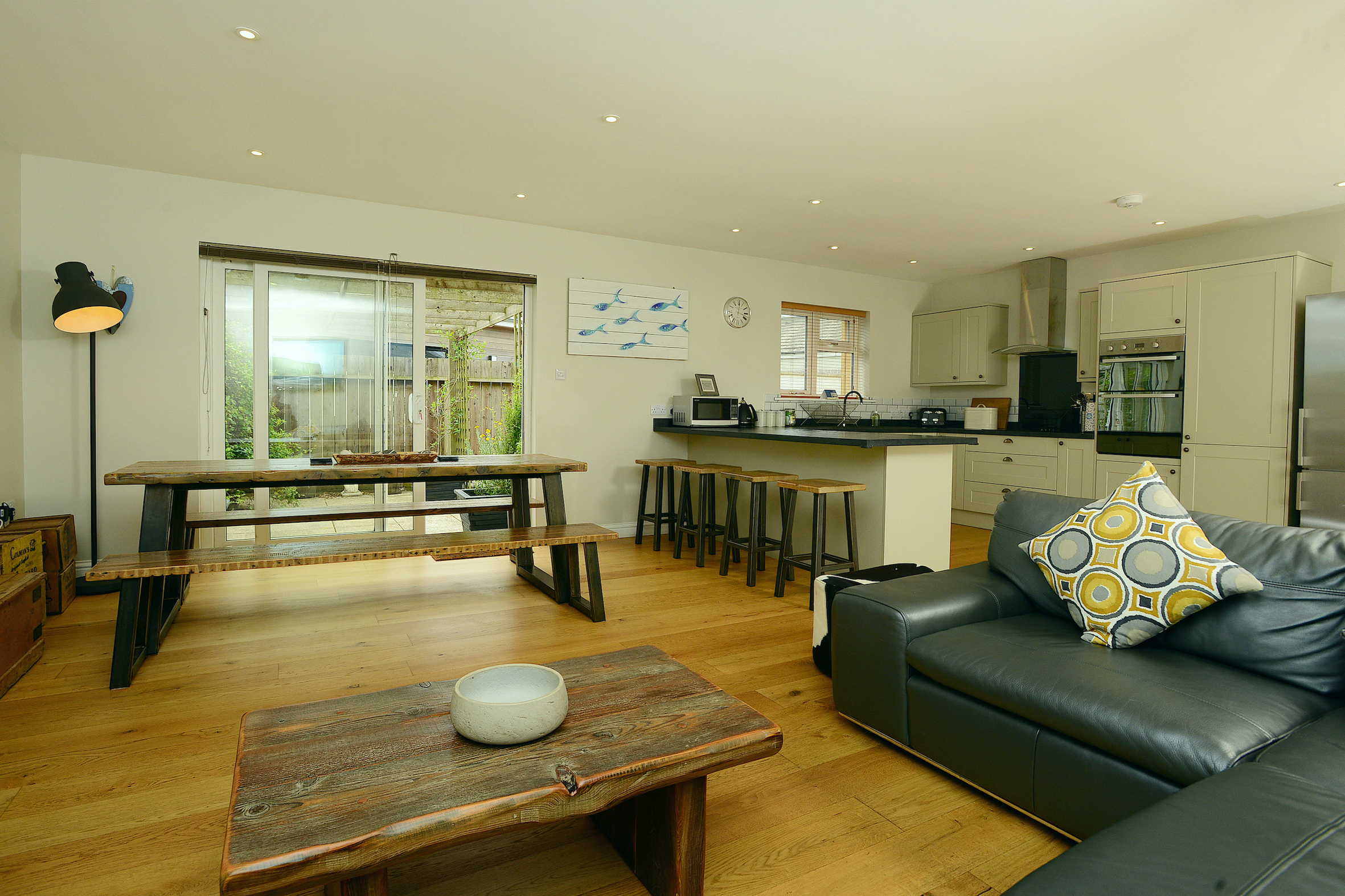 spacious lounge/kitchen/diner at Gwelmor dog-friendly holiday cottage in Widemouth Bay, north Cornwall