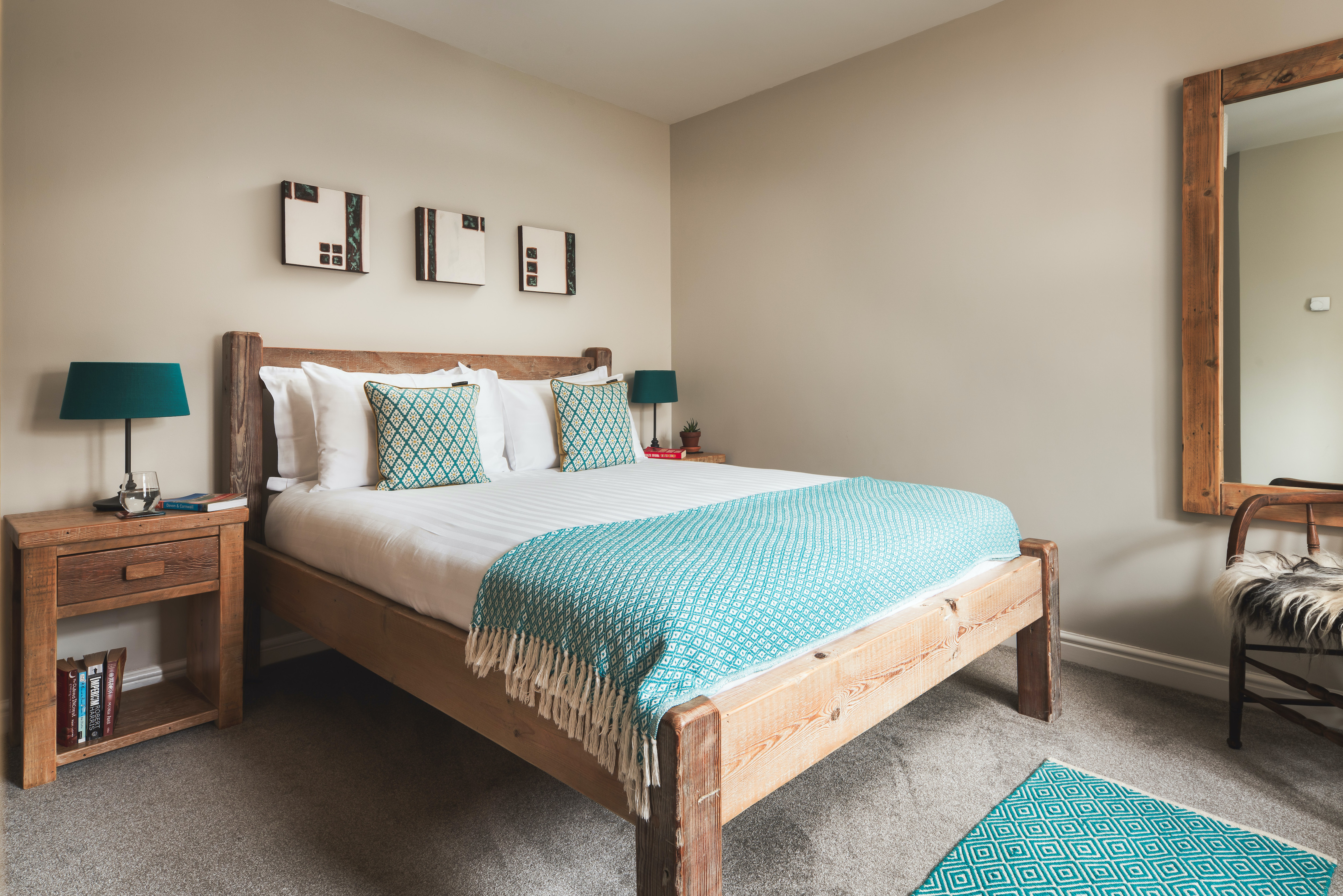 Second king size bedroom in Gwelmor Cornwall