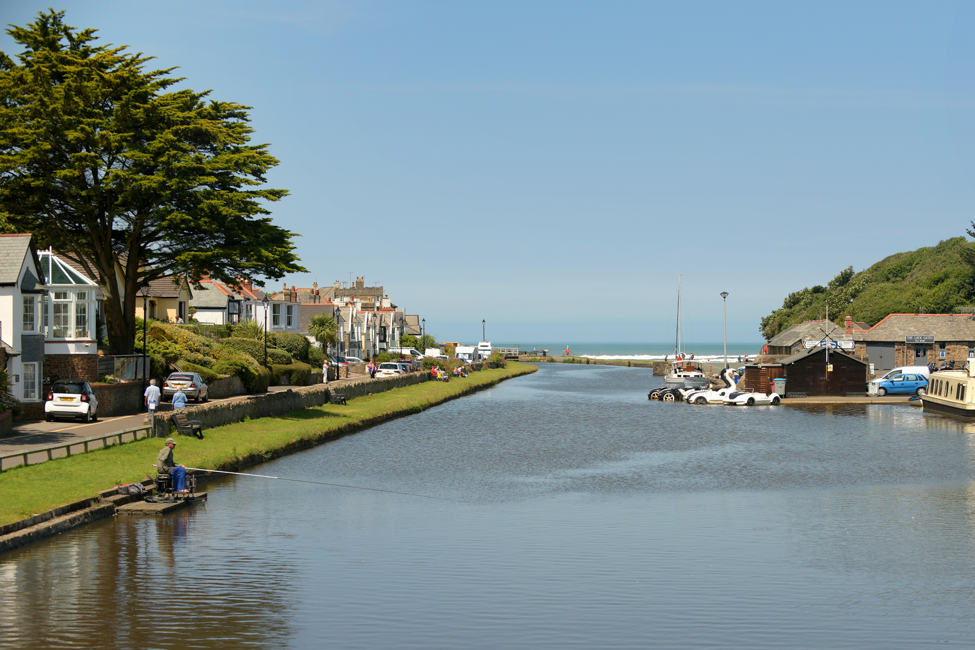 Walk, cycle or paddle along Bude Canal