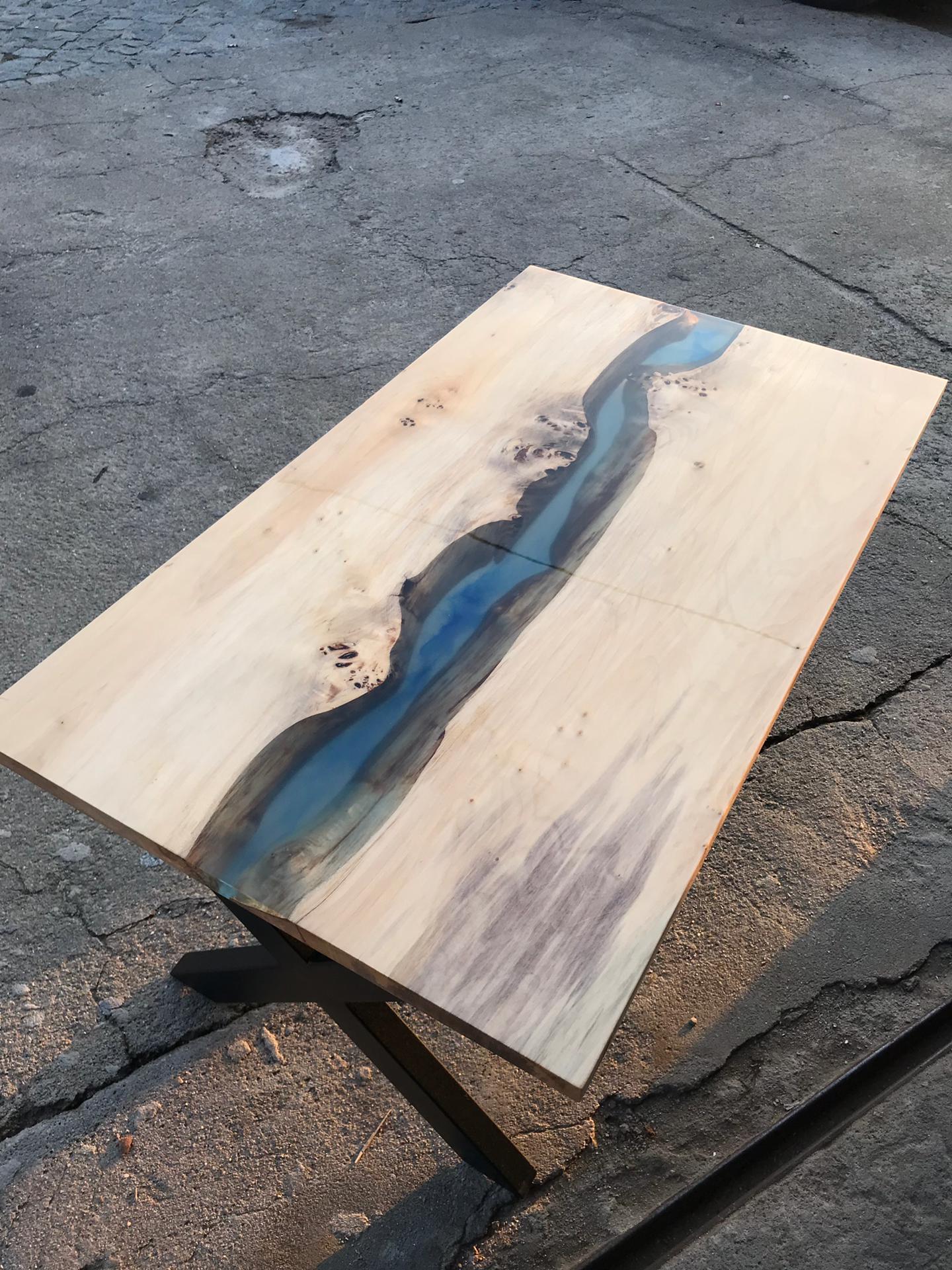 mesa madeira e epoxi