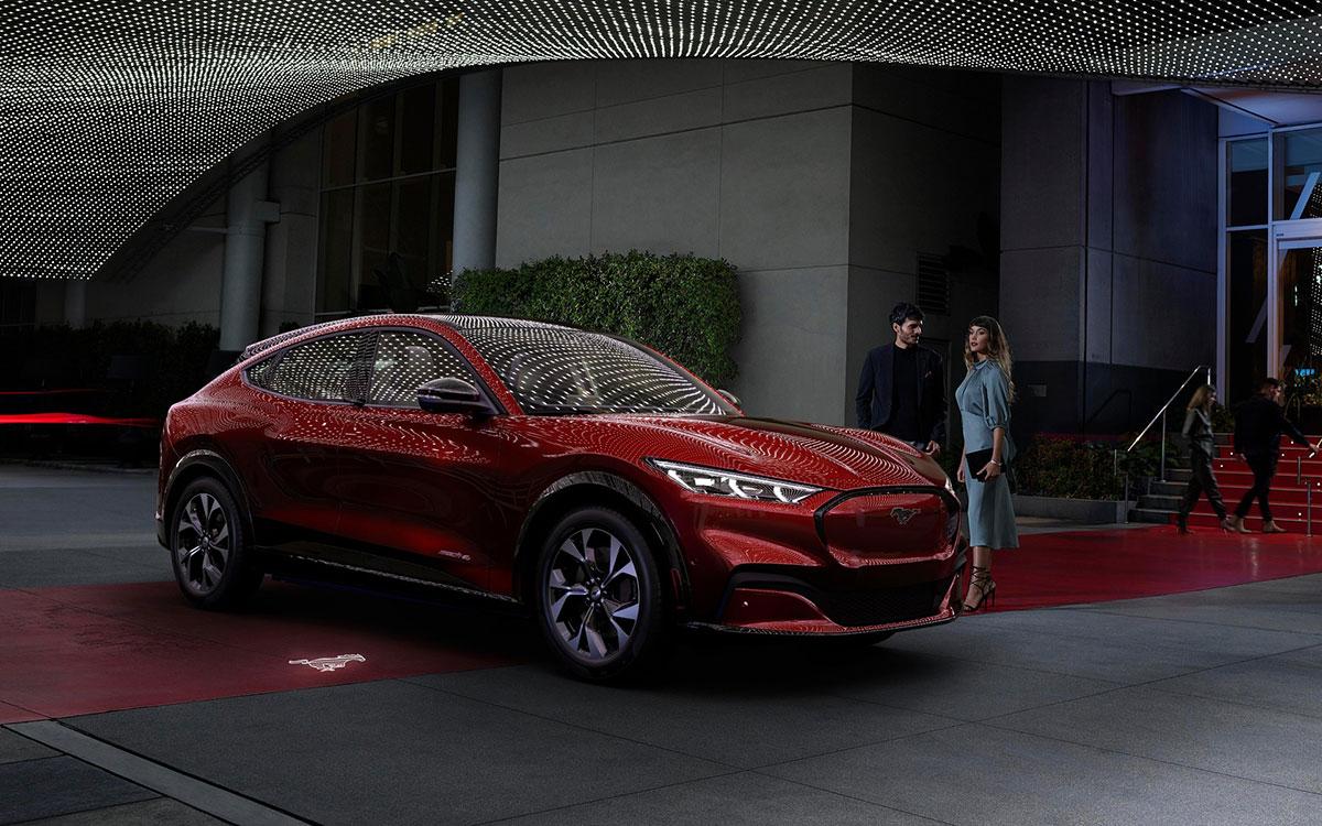 Ford-Mustang-mach-e-amazon-alexa