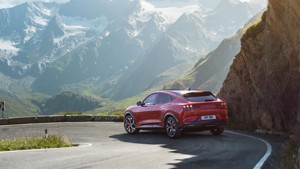 2021-Ford-Mustang-Mach-e-elektroauto