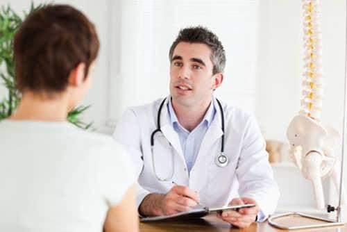 Nên đến thăm khám và điều trị rối loạn cương dương tại bệnh viện