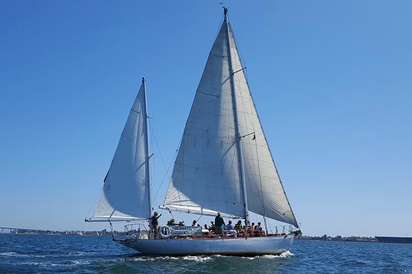 Jada Sailboat for Ash Scattering