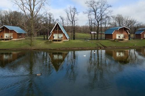lake view cabins at serenity springs