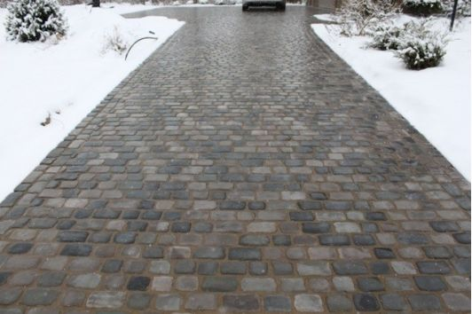 Pathway snow melting system
