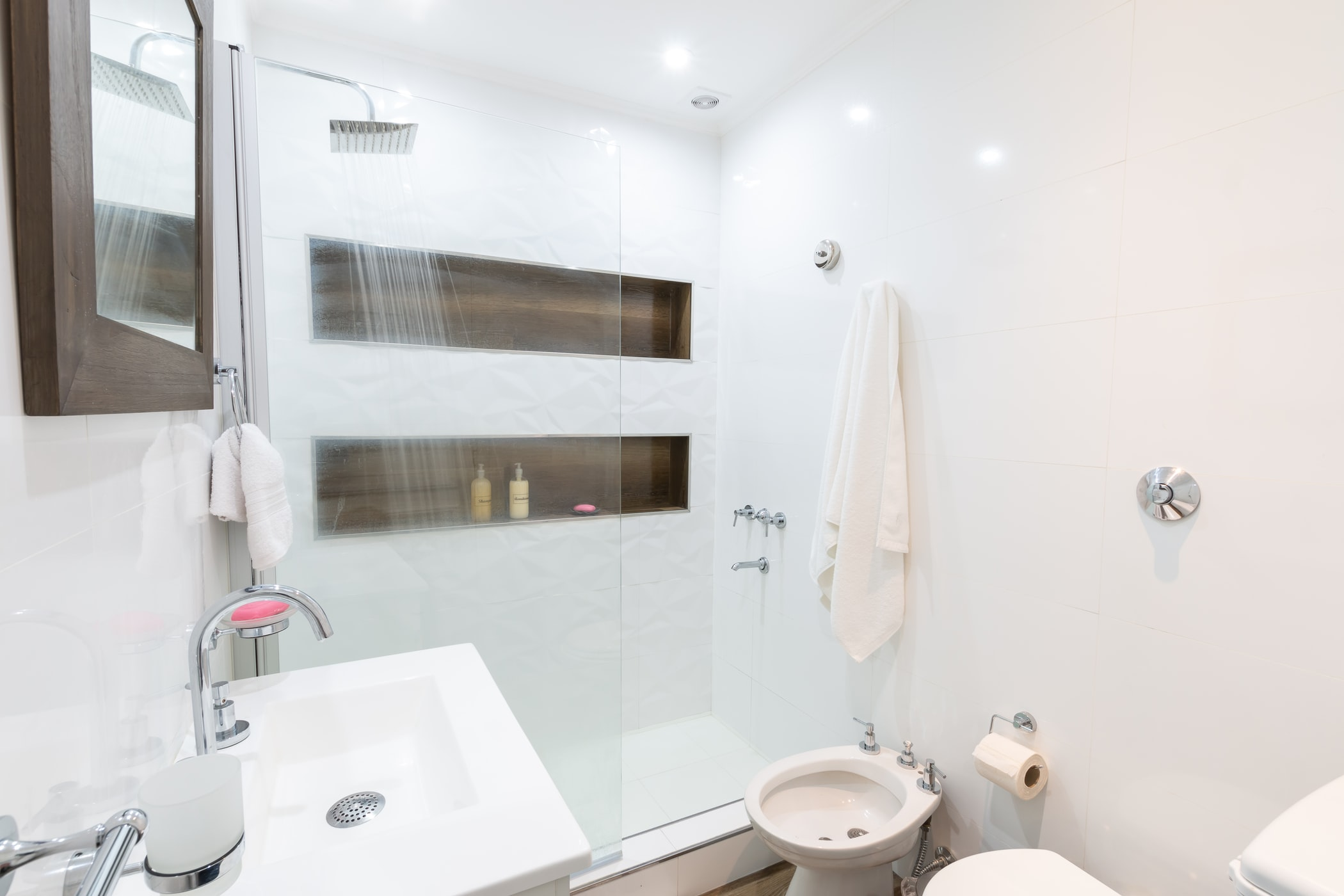 Hot Showers with Hot Water Tank Installation and Replacement