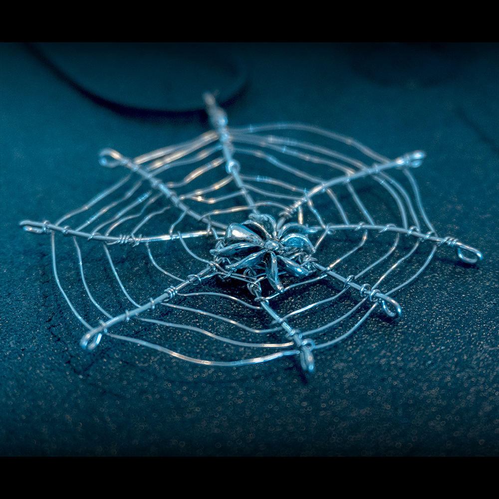 Halloween Spider in the Web Pendant Kit
