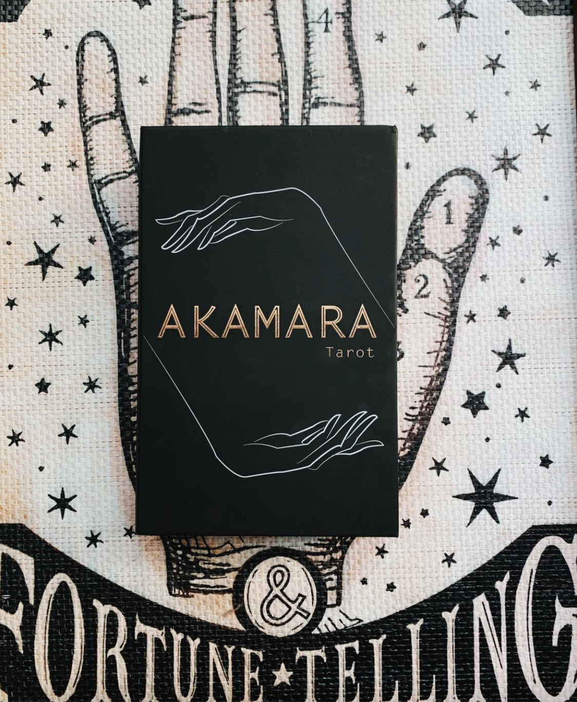 Akamara Tarot