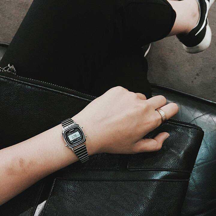 Top 6 đồng hồ nữ dây kim loại đáng mua nhất