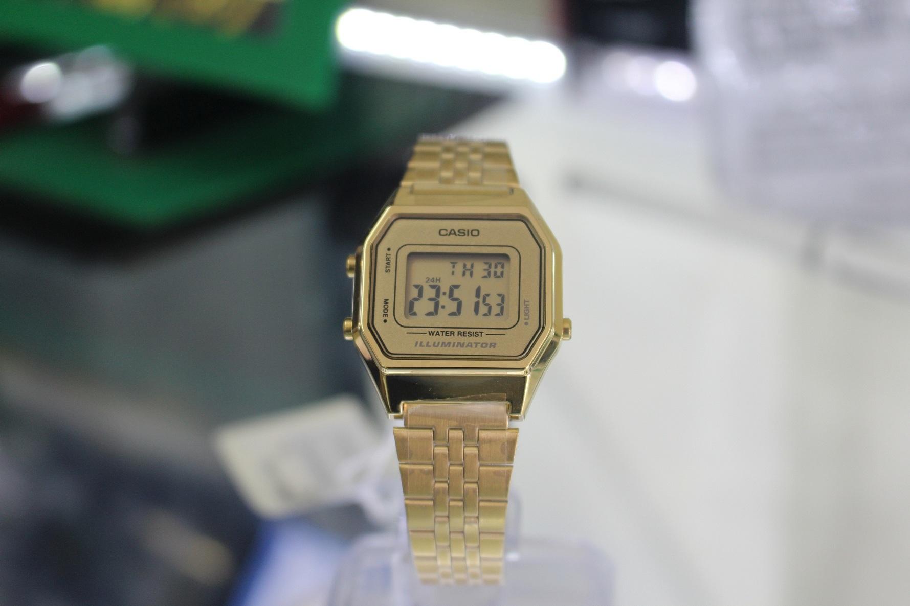 Thiết kế đậm tính Vintage của đồng hồ Casio vàng
