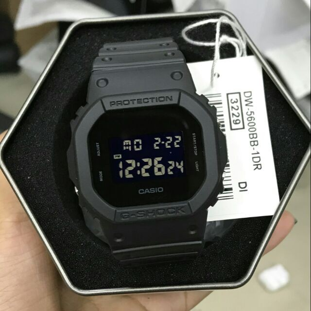 Nét cuốn hút đặc biệt từ đồng hồ Casio G-shock DW-5600BB-1DR