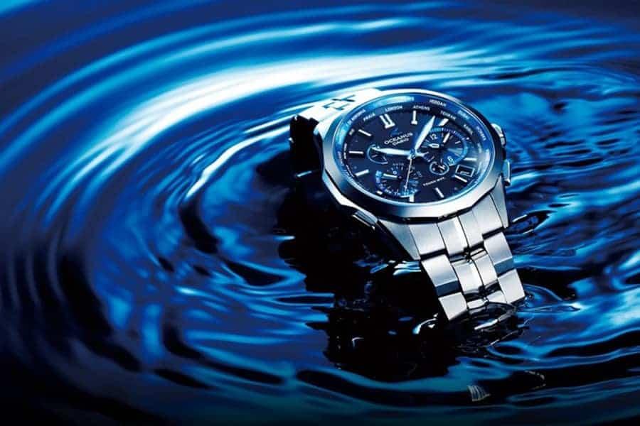 Tuyệt đối không điều chỉnh núm khi đồng hồ đang ở dưới nước