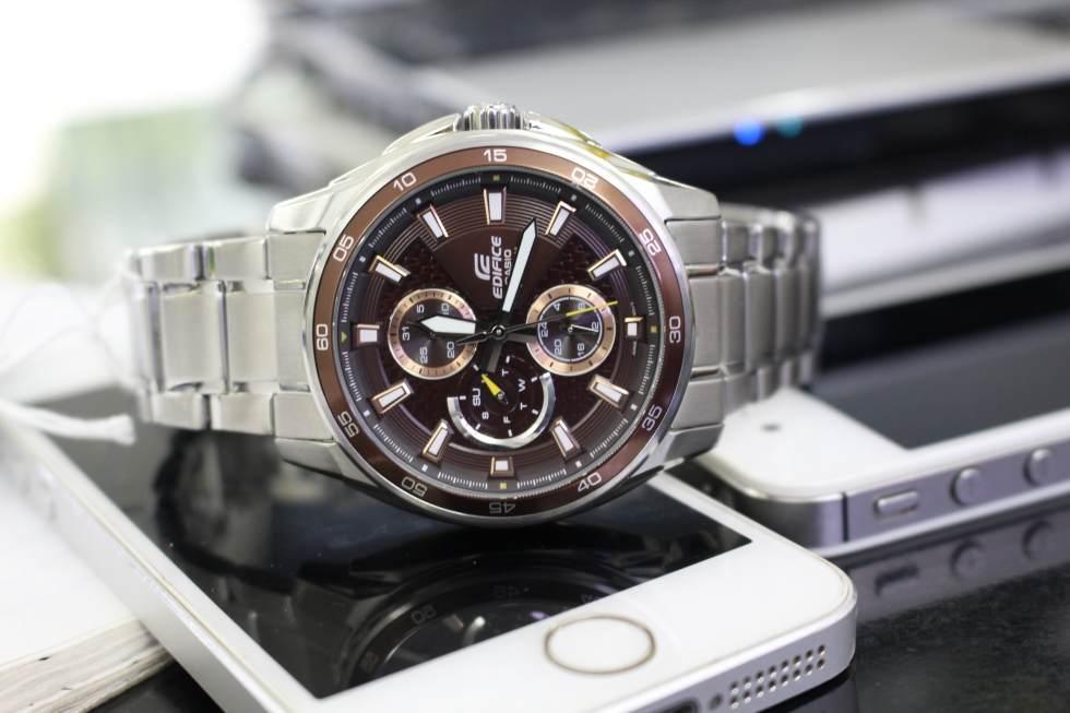 Khám phá chi tiết đồng hồ Casio 6 kim