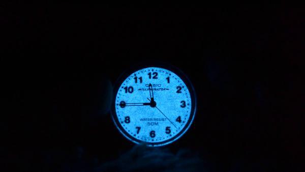 Casio Illuminator là đồng hồ Casio có tính năng chiếu sáng trên mặt đồng hồ