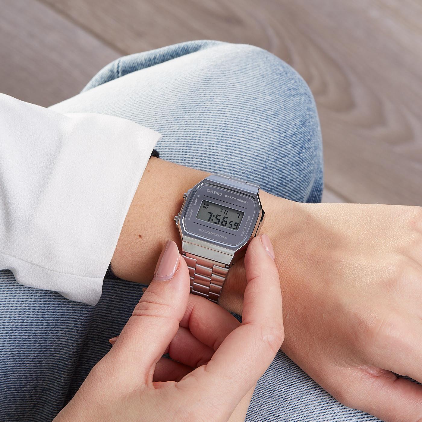 Đồng hồ Casio Vintage là món phụ kiện gây sốt giới trẻ