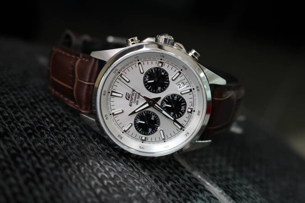 Các tính năng của đồng hồ Edifice Casio WR100m