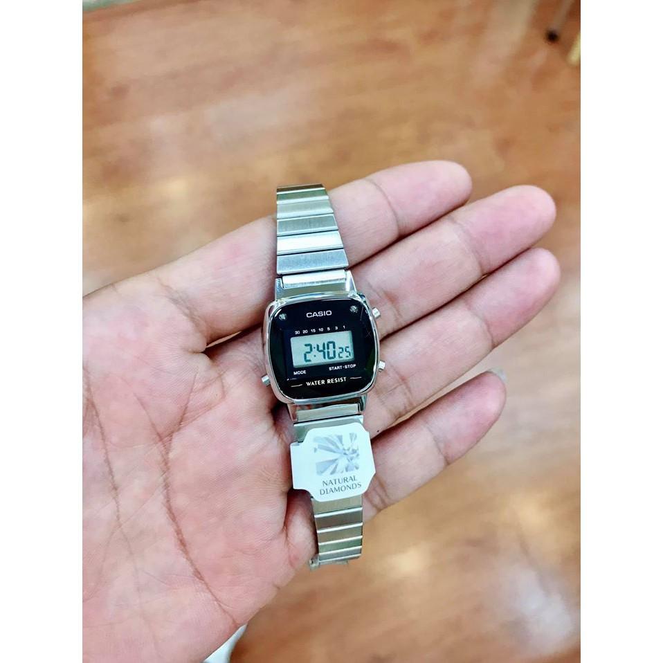 Những đặc điểm của đồng hồ Casio điện tử dây kim loại