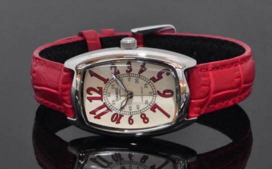 Đồng hồ nữ dây da Casio hiện đại với các màu sắc tươi trẻ