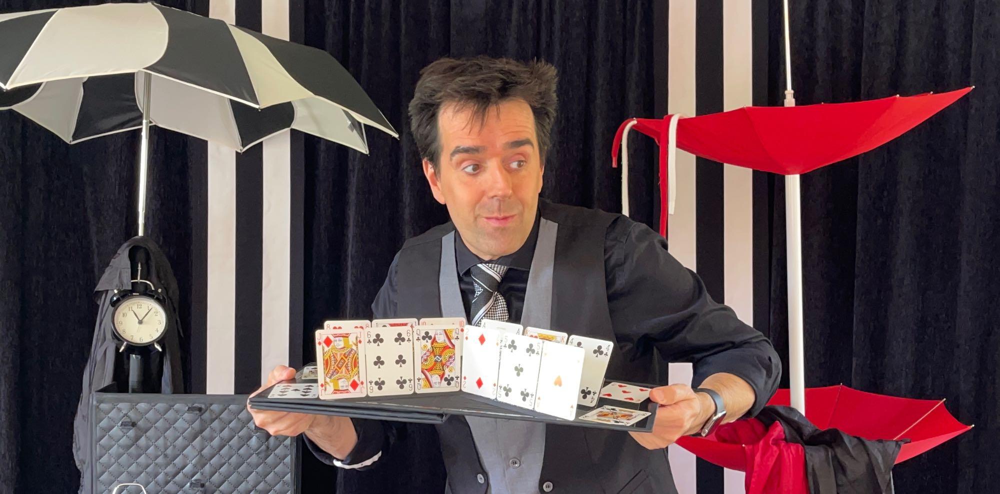 spectacle magie et d'illusions d'optiques sur amiens, Paris, Lille, Rouen, Reims, Beauvais.