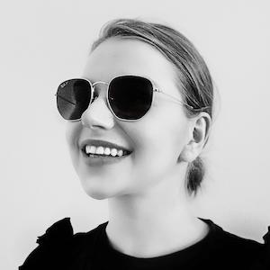 Julia Dębecka