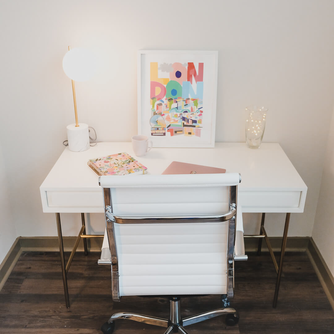 avery-peck-desk