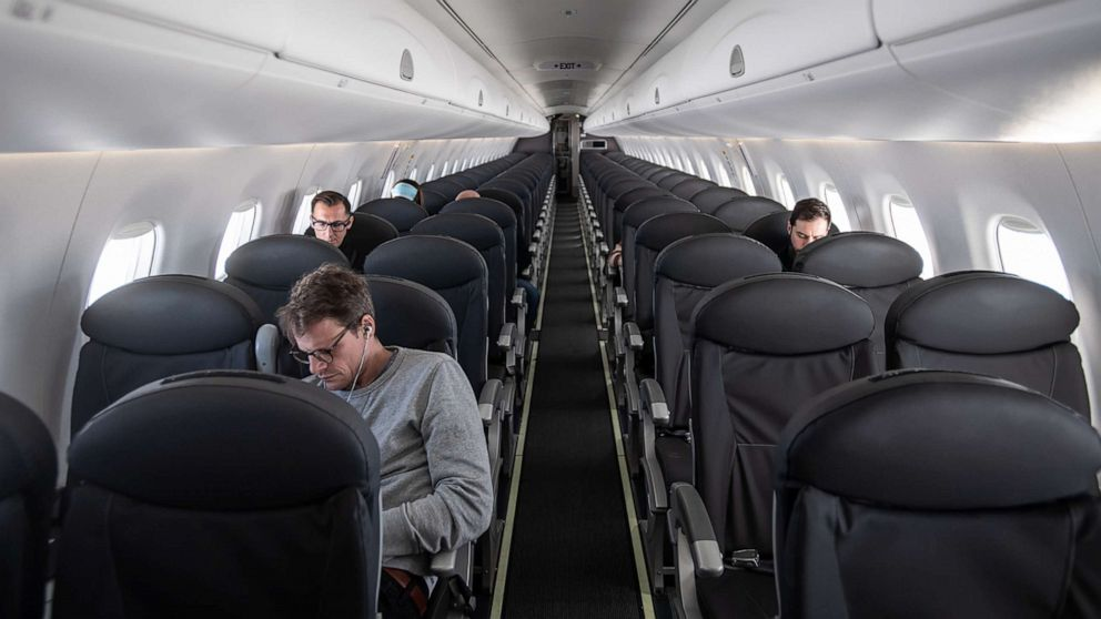 social distancing airplane