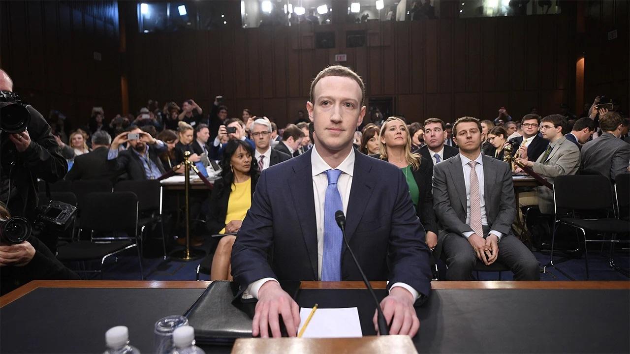 mark zuckerberg no Congresso americano.