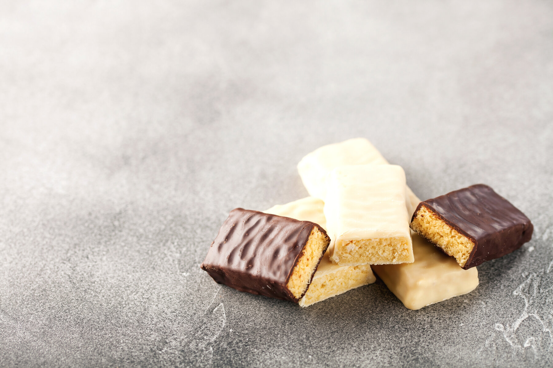 Curb Chocolate Addiction: 3 Tips for Controlling Your Sweet Tooth