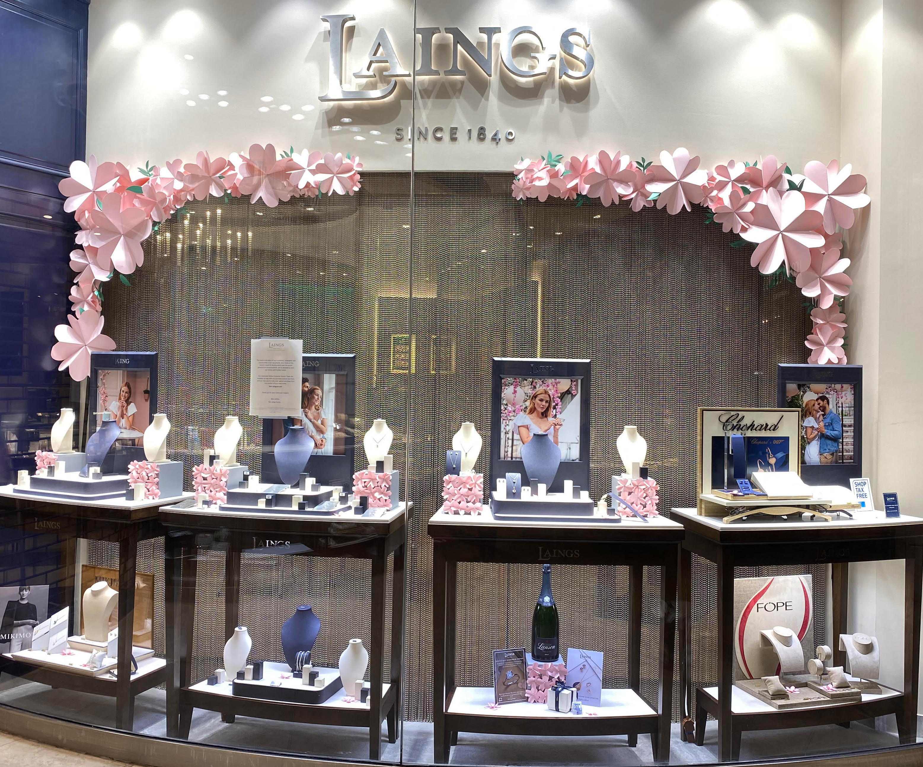 Jewellery visual merchandising and store display examples