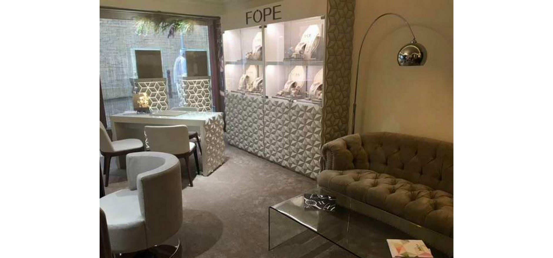 FOPE store display visual merchandising