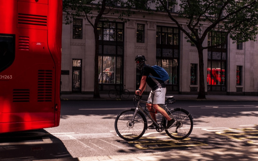 Laka's 8 tips for commuting to work by bike