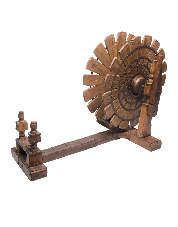 Maquina de hilar en madera