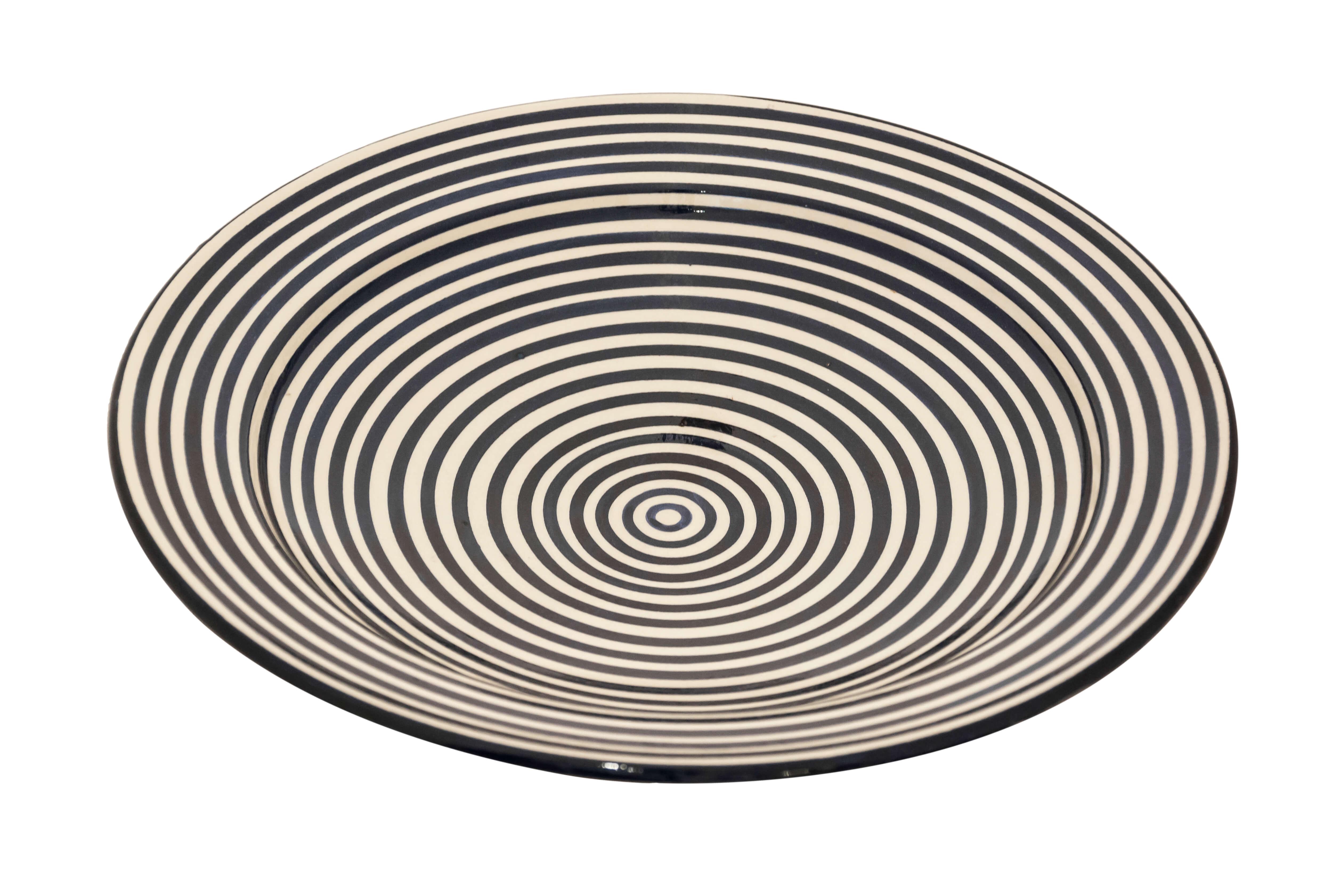 Moroccan black spiral plate, 27 Cm