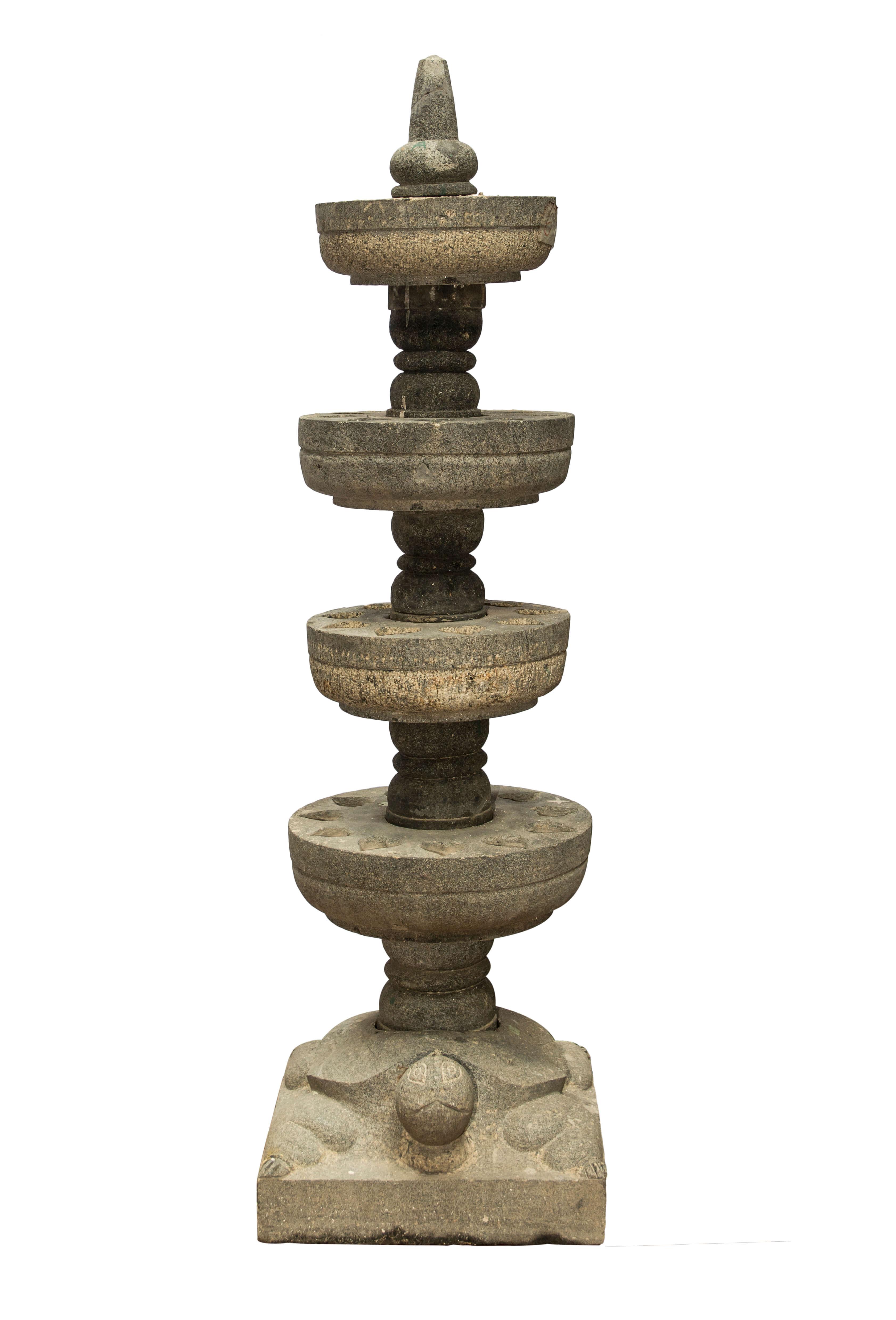 Pedestal, 124 Cms