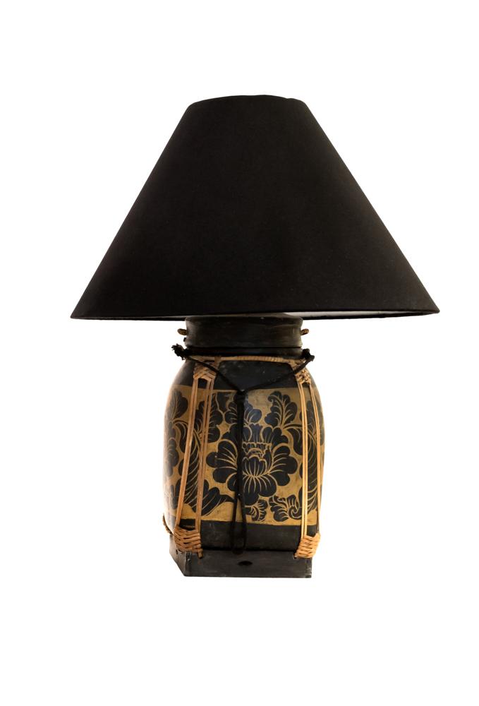 Lámpara de mesa Tailandesa,negra