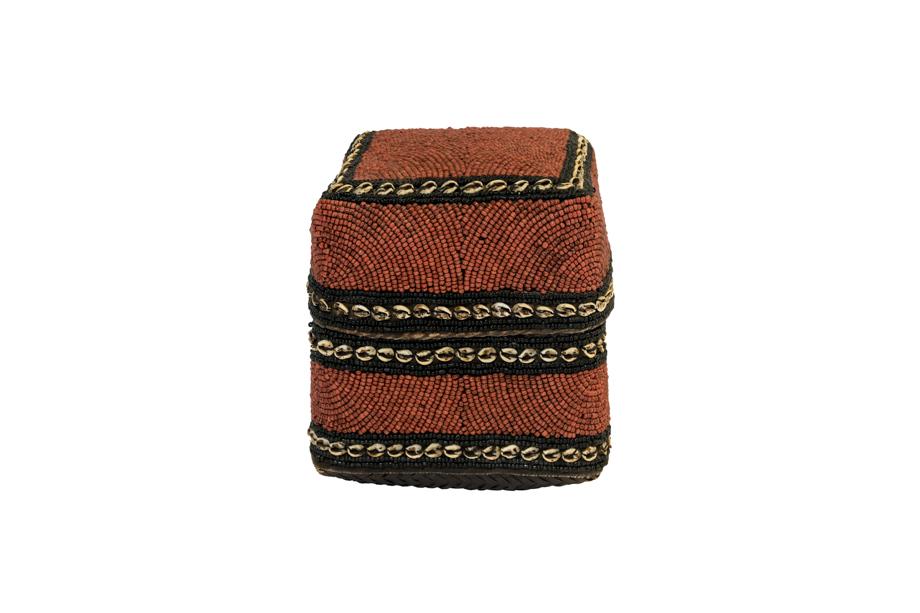Caja de ofrenda Balinesa cuentas de chaquira y conchas- rojo envejecido