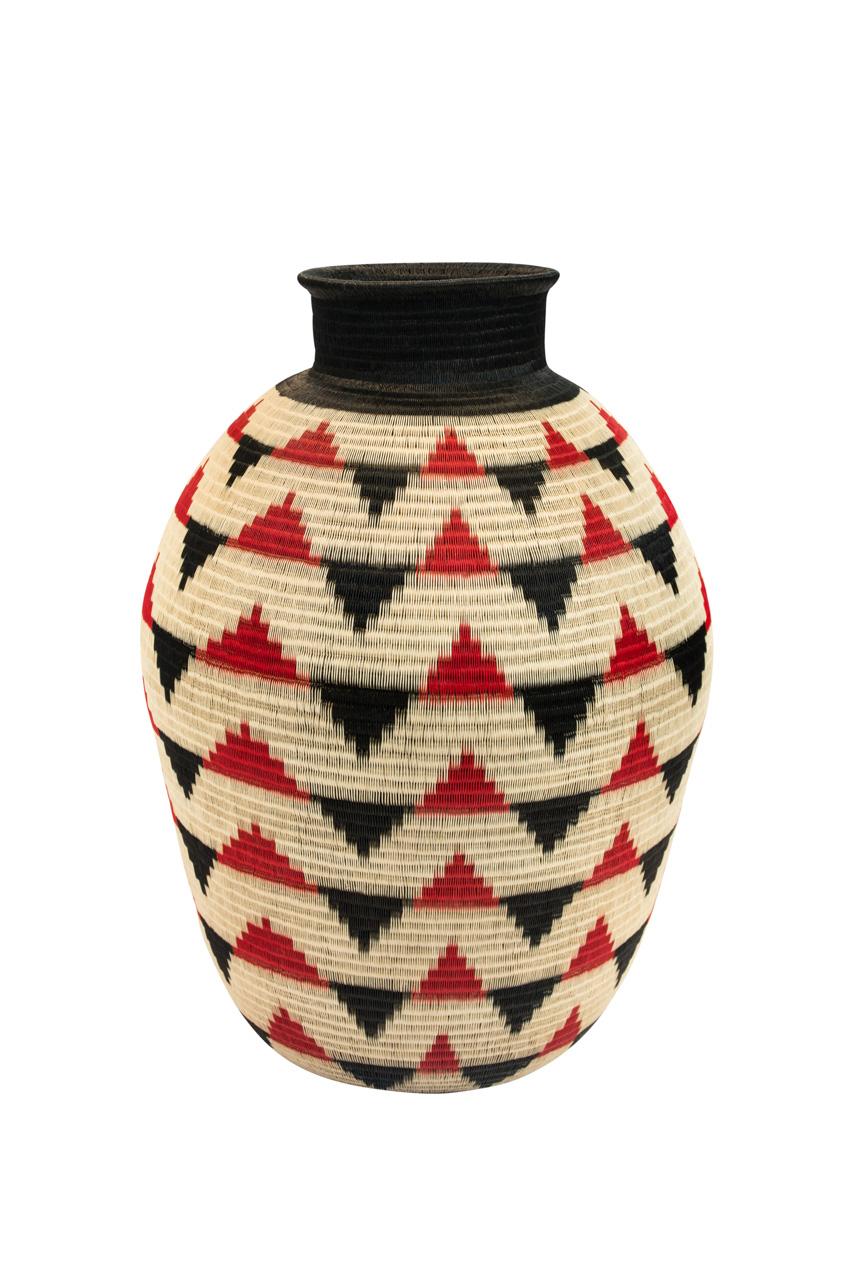 Werregue Triangular Container Red - Black