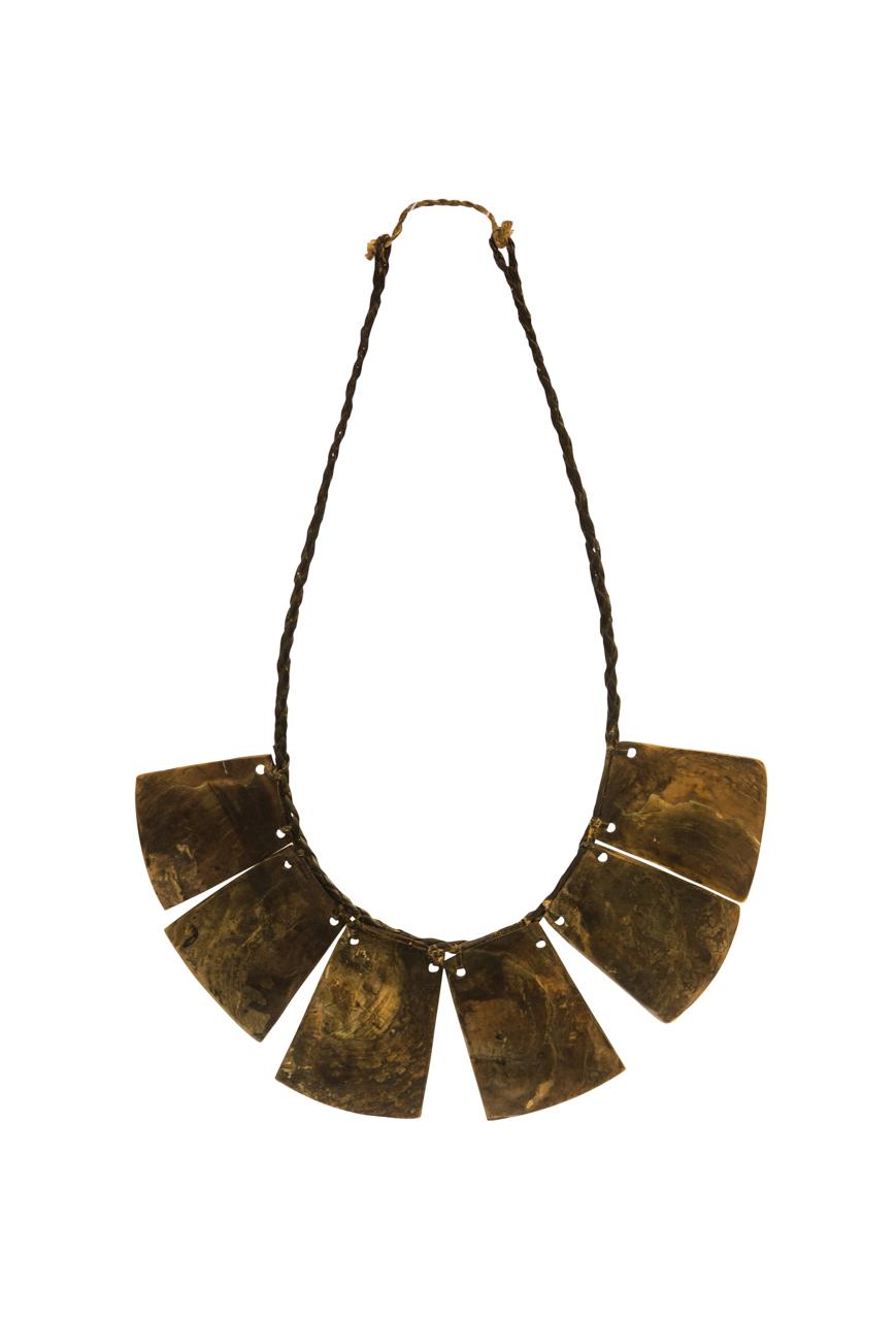Collar Decorativo En Nacar