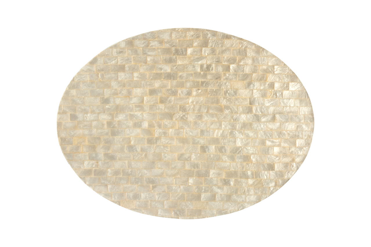 Mother-of-pearl oval placemat, white