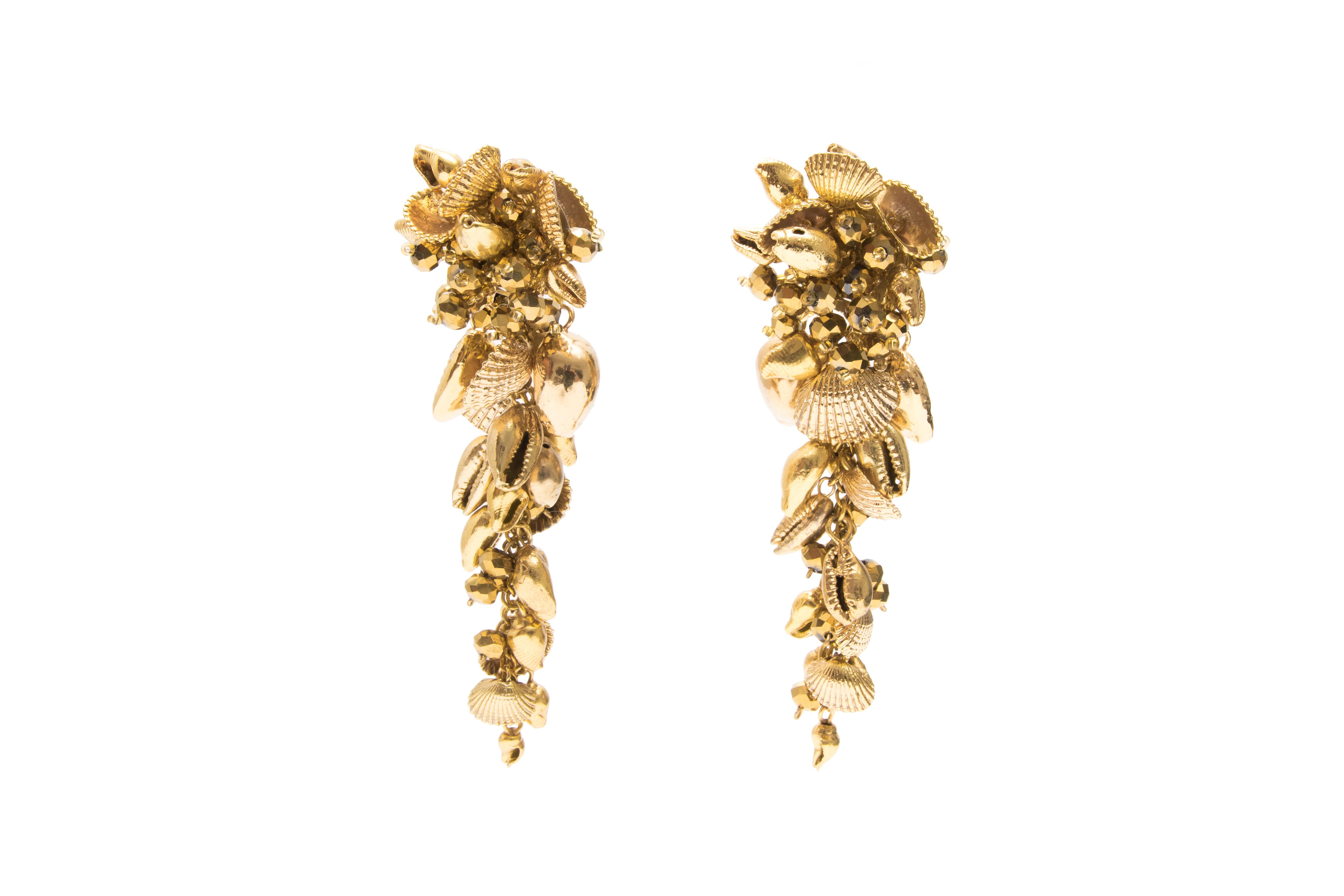 Golden Seashell Drop Earring