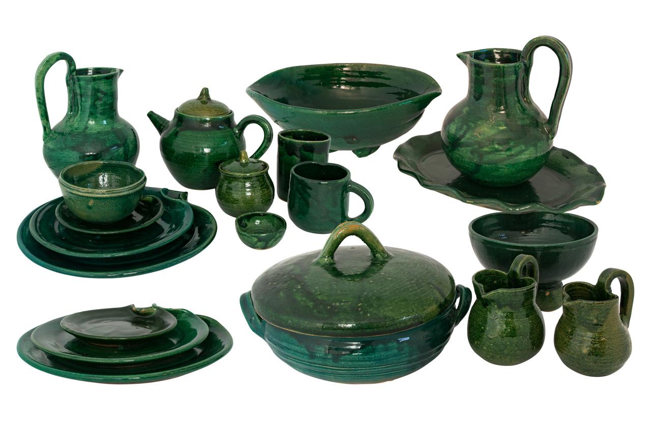 Oaxaca green tableware