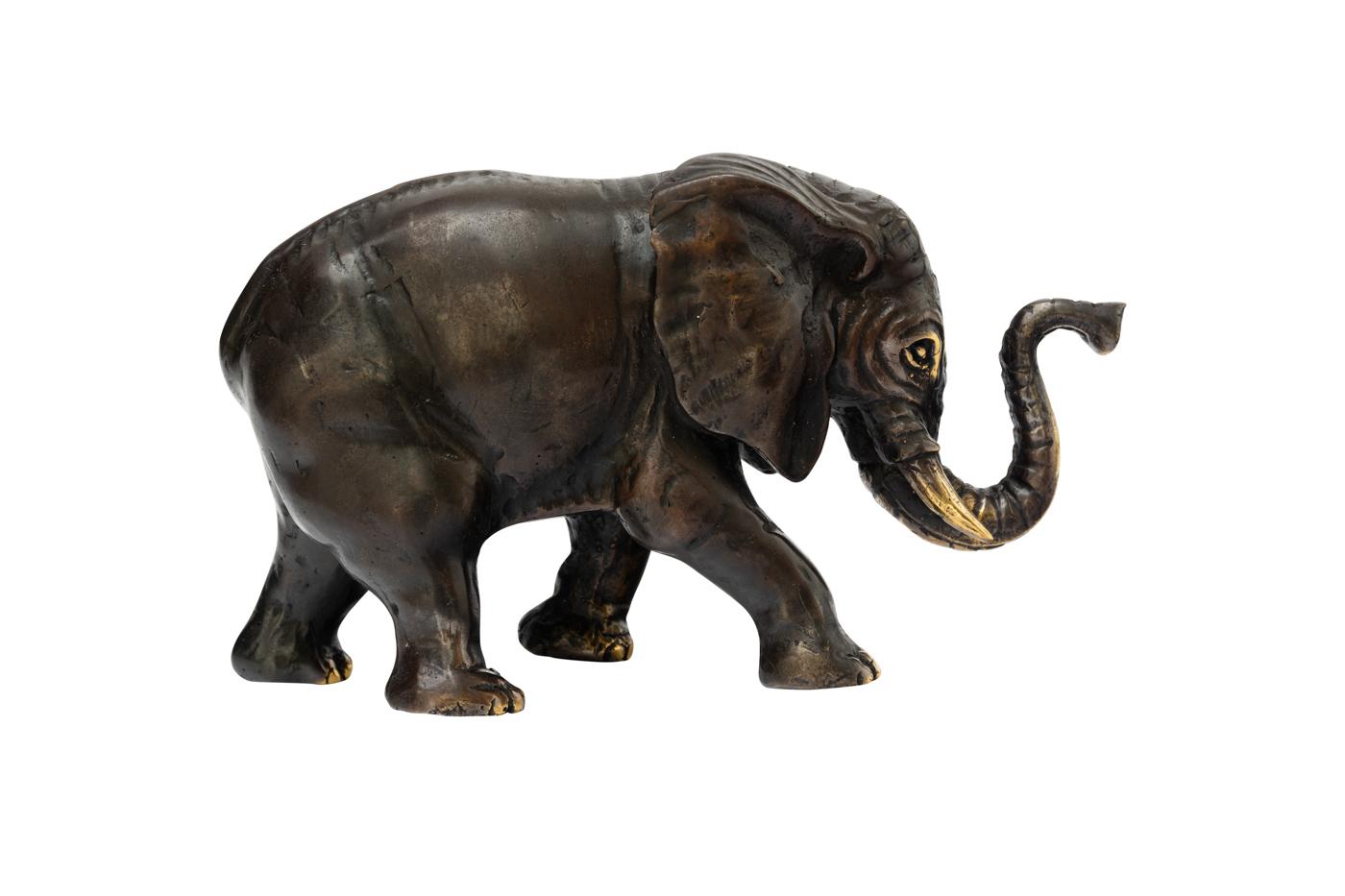 Decorative bronze elephant