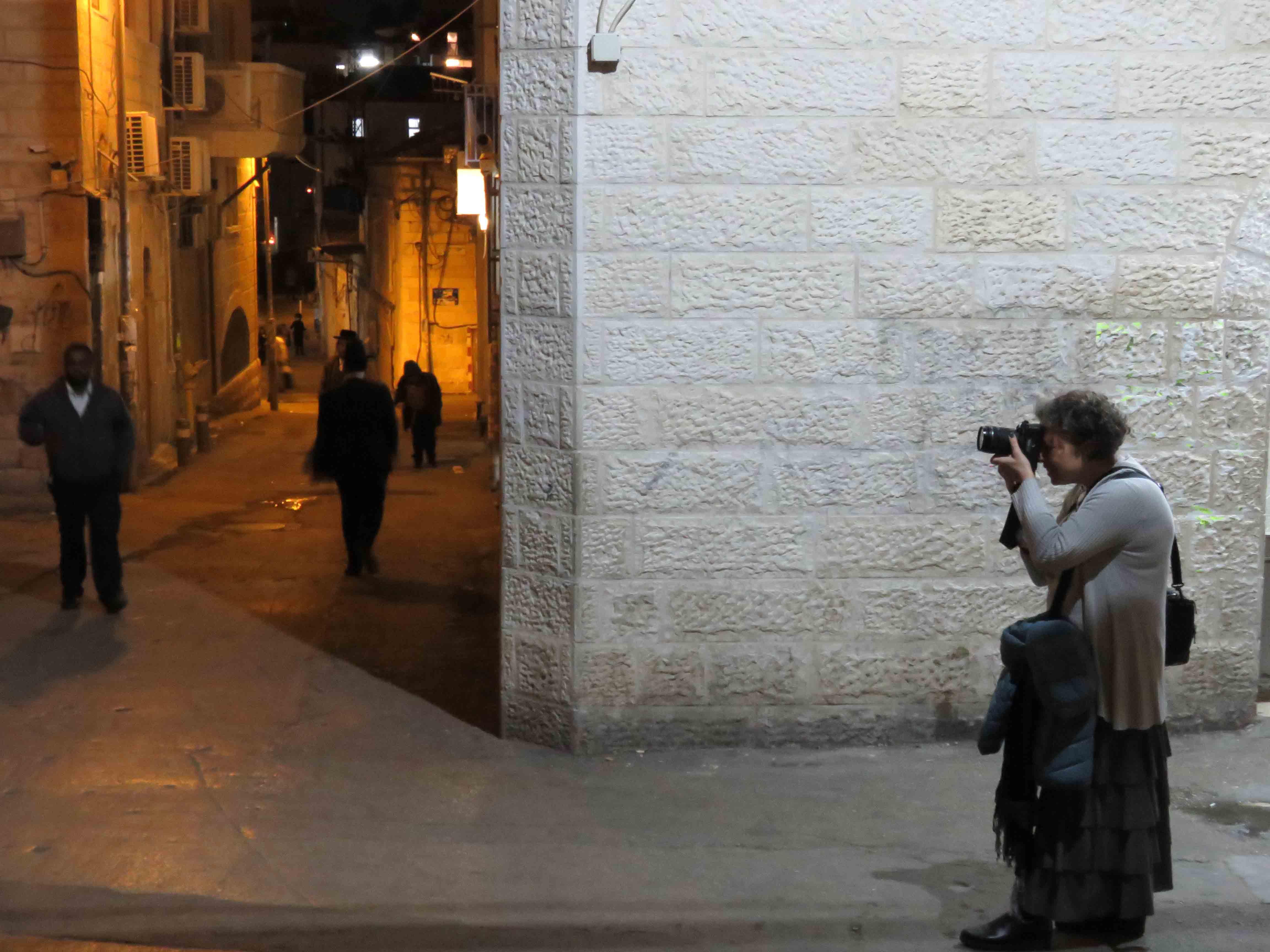 קרוס צילום, צילום במאה שערים