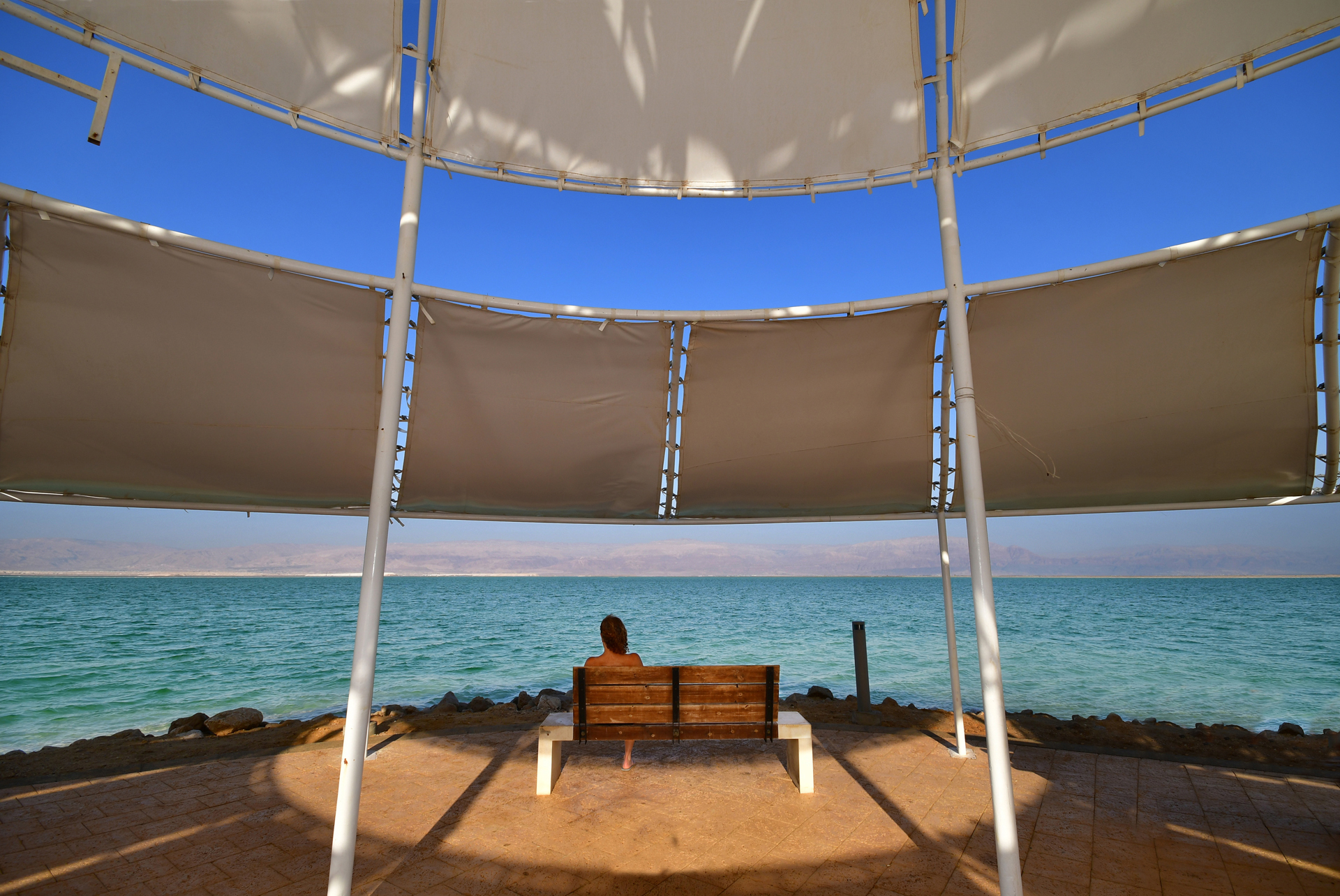 ספסל המשאלות ים המלח - יואל שתרוג - אדמה יוצרת - yoel sitruk