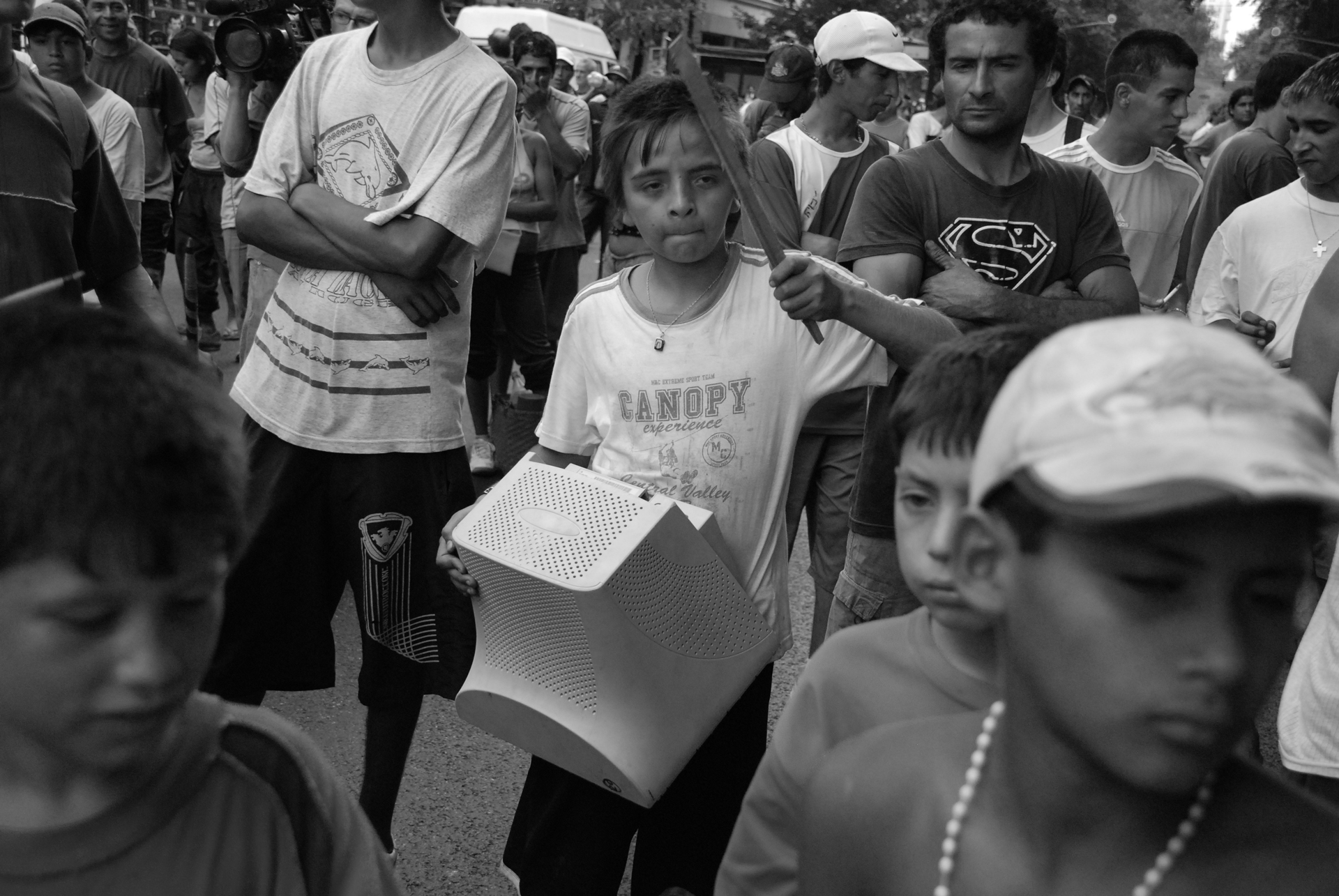 בואנוס איירס - הפגנה - צדק לעם - יואל שתרוג - אדמה יוצרת - yoel sitruk